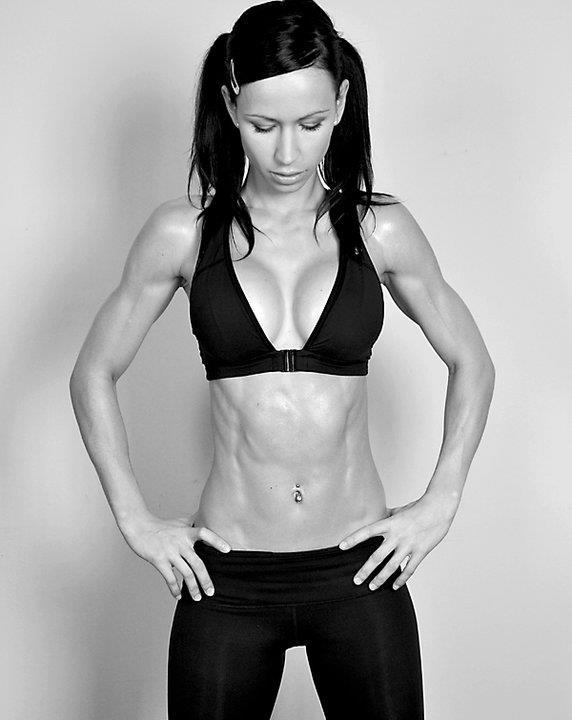 Motivación sexy para continuar entrenando en el gimnasio - Yoga Pants y Abs