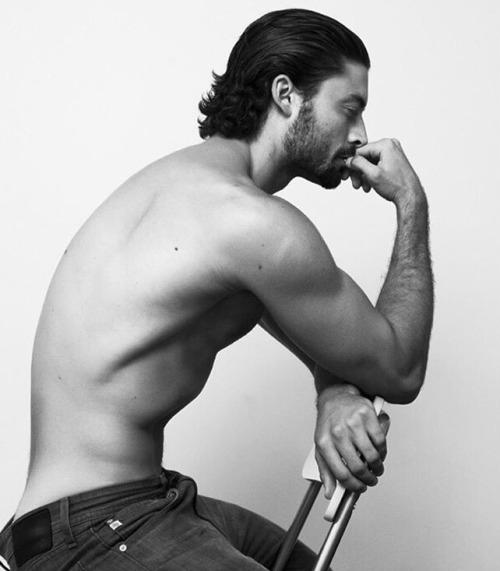 Hombres del gimnasio más fuertes y más marcados - Sexy