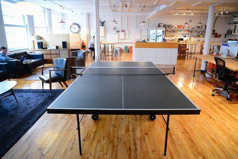 8 Cosas geniales que queremos en nuestras oficinas #66 - Mesa Ping Pong