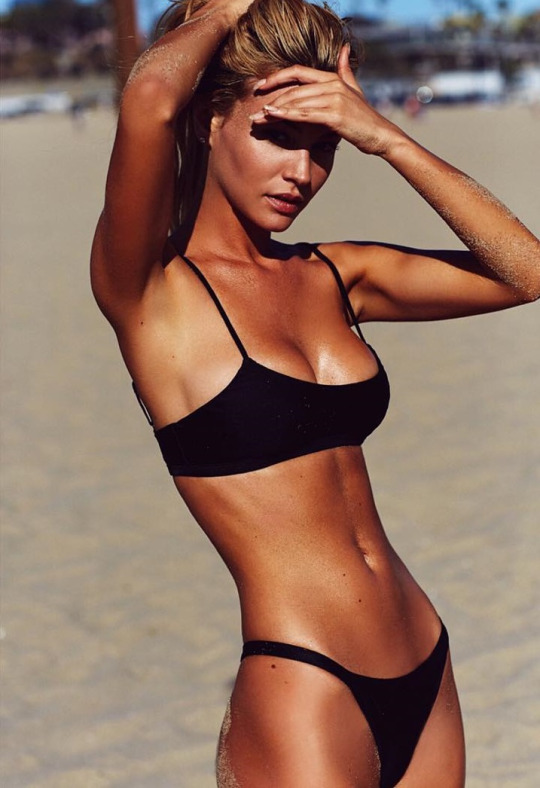 Llegó el fin de semana con el random post - Bikinis