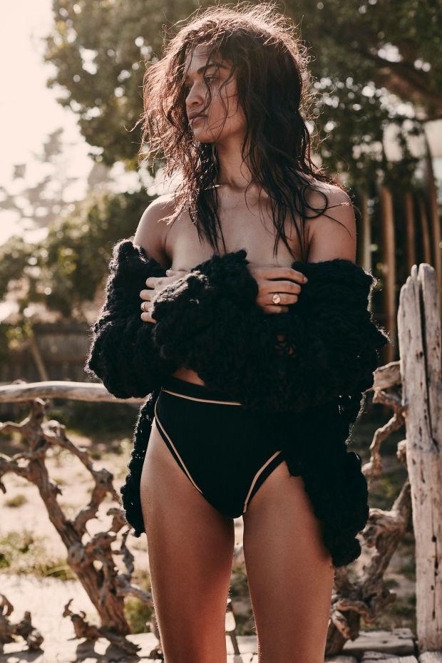 Un día en la playa con Shanina Shaik la sexy modelo australiana