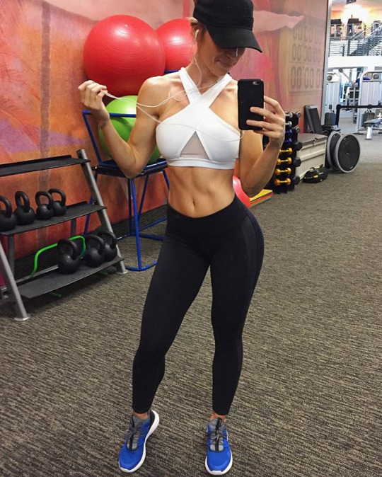 Las mujeres del gym te inspiran a entrenar más - Sexy Selfie