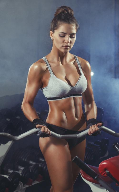 Las mujeres del gym te inspiran a entrenar más - Pesas gimnasio