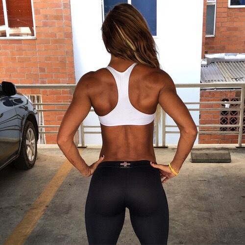 Las chicas del gym entrenan más duro que tu - Gym