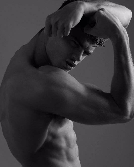 Las mejores fotos de los hombres fitness para empezar el año - Músculos