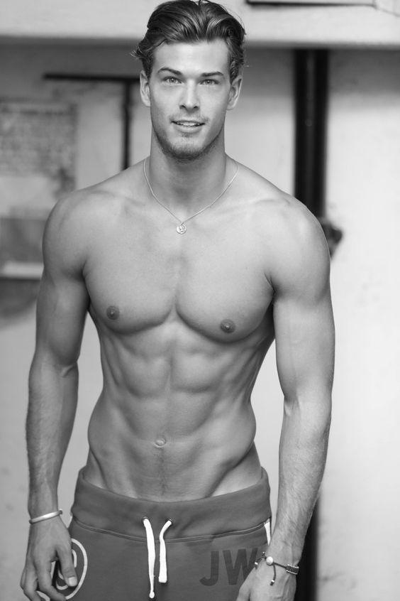 Las mejores fotos de los hombres fitness para empezar el año - Abs