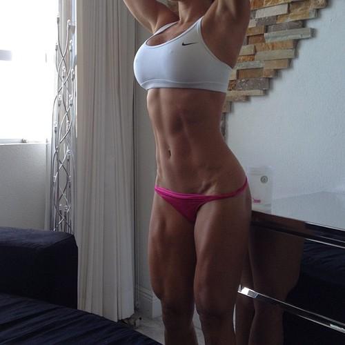 Inicia el año con las chicas del gym y su motivación - Abdomen de Acero