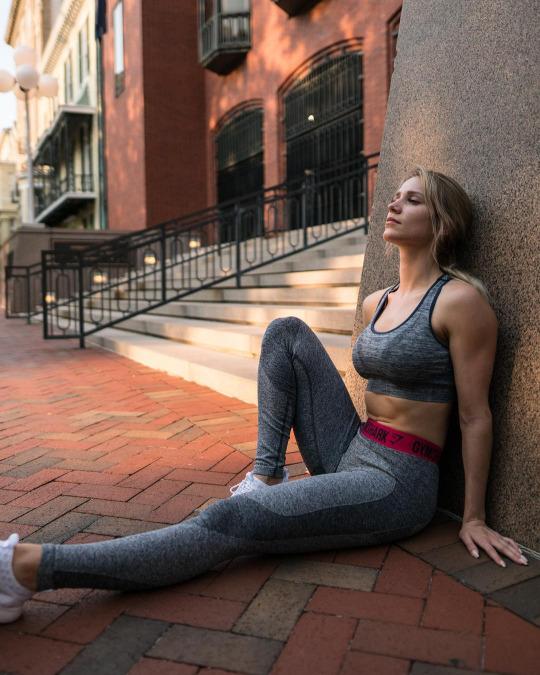 Inicia el año con las chicas del gym y su motivación - Yoga Pants