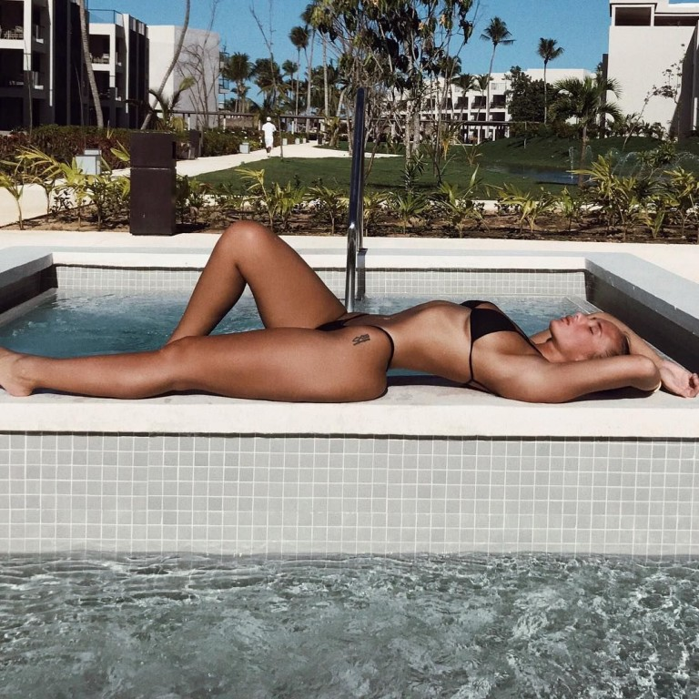 El primer random post del año quedó muy sexy - Bikini