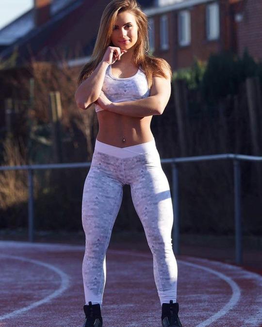 Ellas nos inspiran a entrenar más duro (30 Fotos de las chicas del gym)