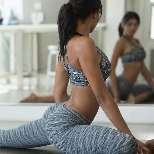 Yoga pants y gimnasio la formula perfecta