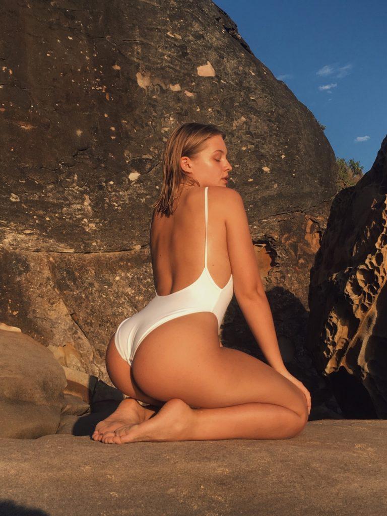 Cerramos con el random y sexy post de la semana - Bikini