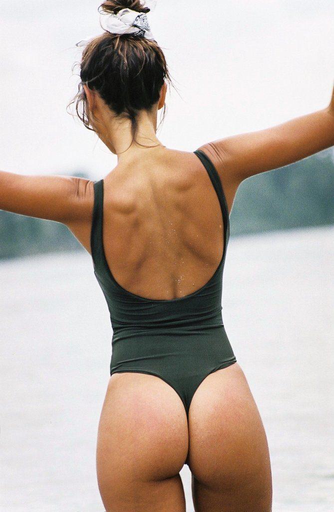 """Nueva línea de bikinis inspirado en """"La laguna azul"""""""