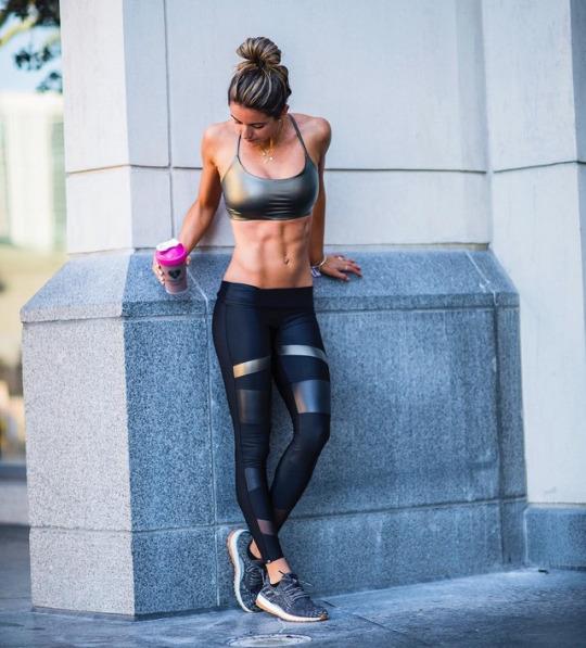Las mujeres del fitness están aquí en nuestro gym