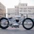 Motocicleta única donde se ve que menos es más