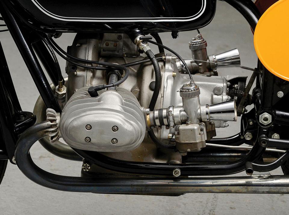 Impresionante y única motocicleta BMW RS 54 de 1954