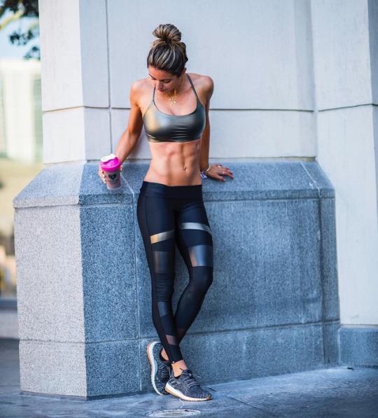 Ellas son las chicas del gym y vienen a motivarte