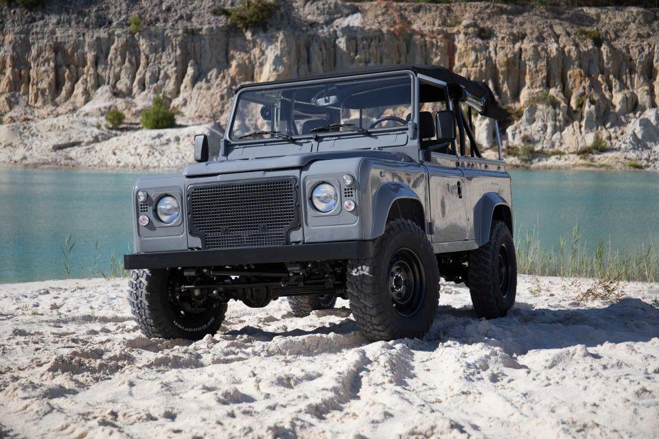 El transporte ideal del verano Land Rover D90