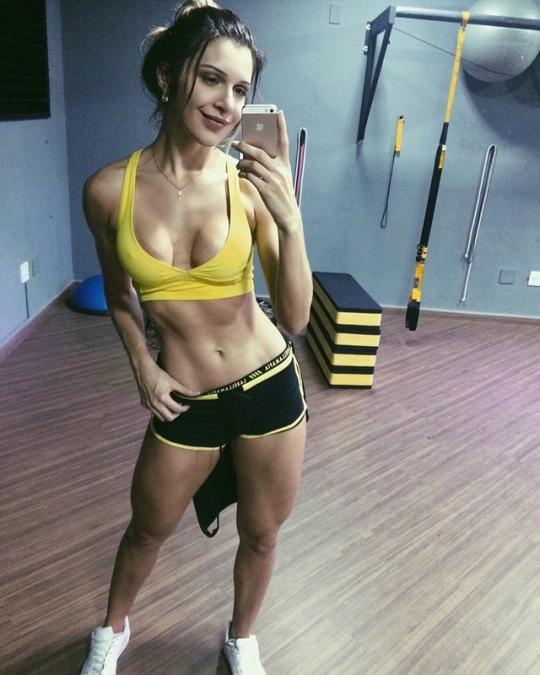 Entrena duro con las increíbles mujeres de nuestro gimnasio