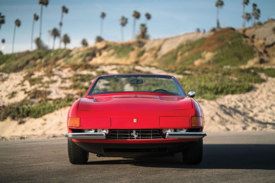 Un clásico muy sexy el Ferrari 365 GTB/4 de 1972