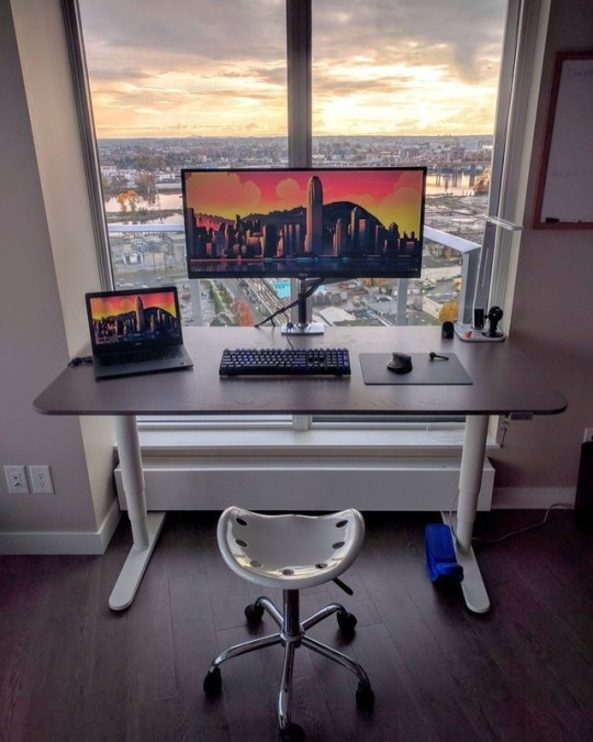 Diseño genial de oficinas en casa para inspirar #89