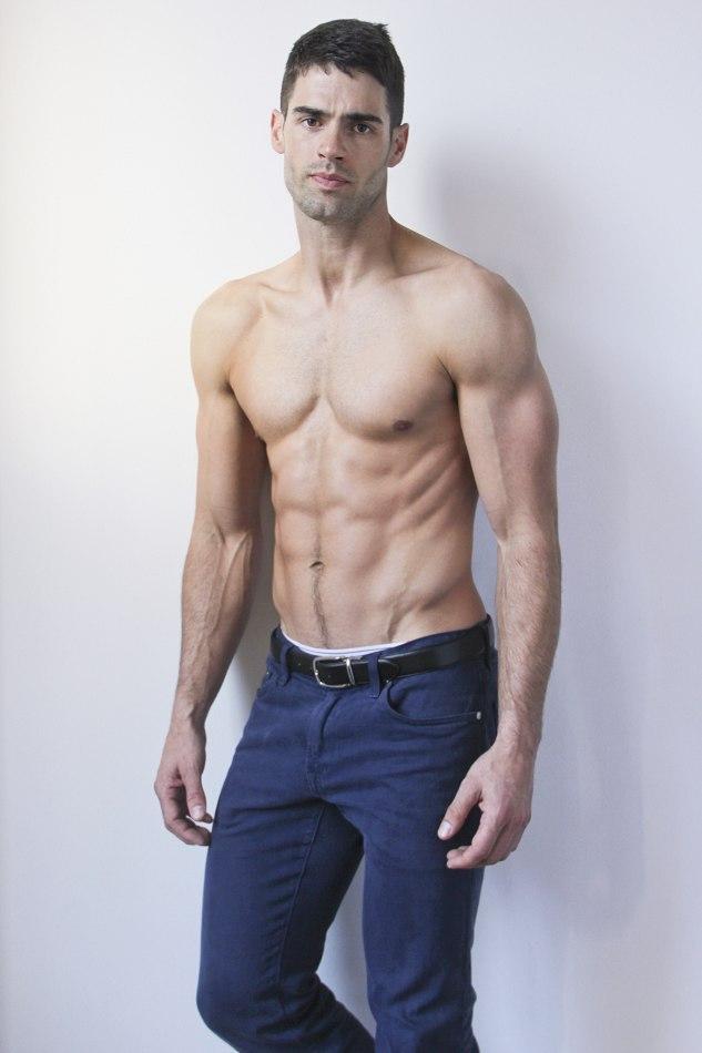 Dedicaci n motivaci n y disciplina con los hombres for Fitness gym hombres