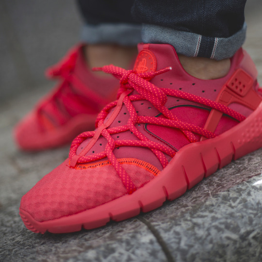Moda tenis rojos
