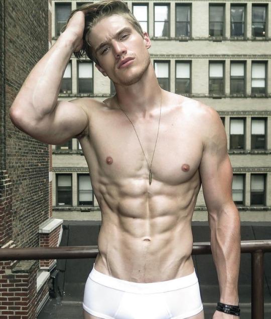 Marcado y musculoso la meta de los hombres más fit