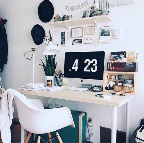 Decoraci n de oficinas en casa 96 inspiraci n para tu for Disenos de oficinas en casa