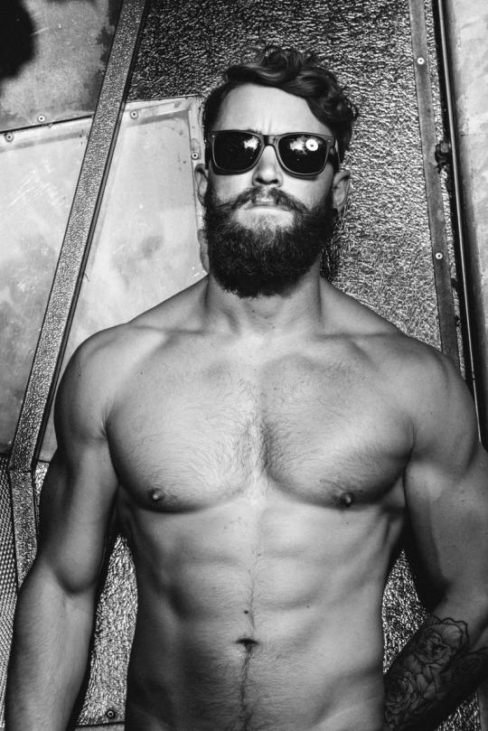 Fotos de hombres fit para motivar tus entrenamientos