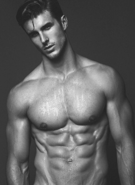 Fotos con los hombres fitness para motivar tus for Fitness gym hombres