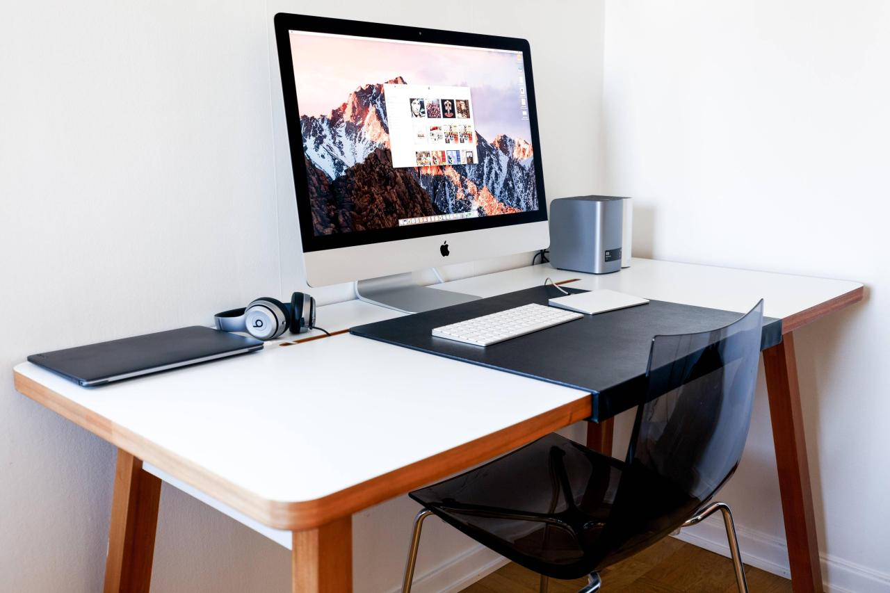 Dise o y decoraci n de oficinas en casa 111 el124 for Diseno de oficinas en casa