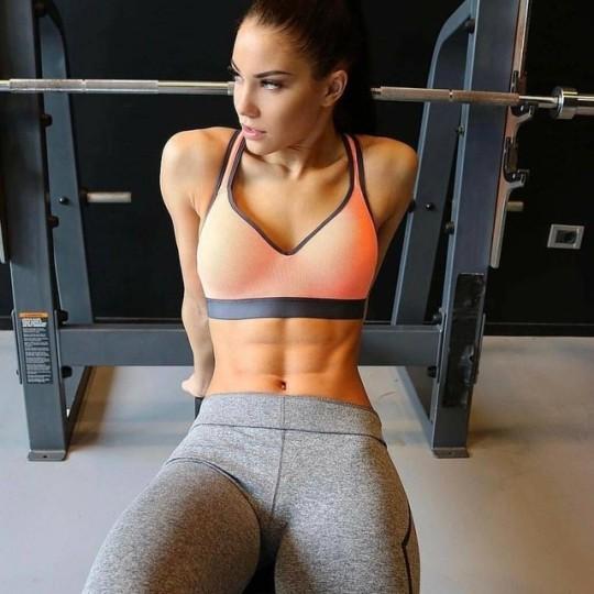 Comienza el año con las chicas del gimnasio y mucho ejercicio