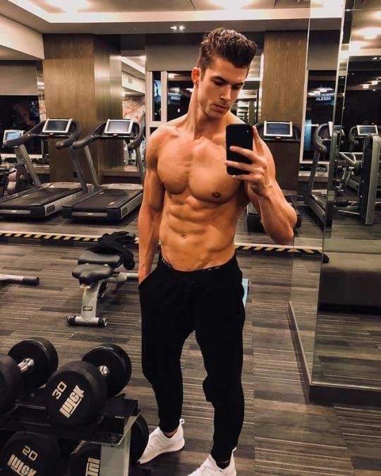 Los mejores cuerpos del gimnasio con los hombres m s fit for Gimnasio mas
