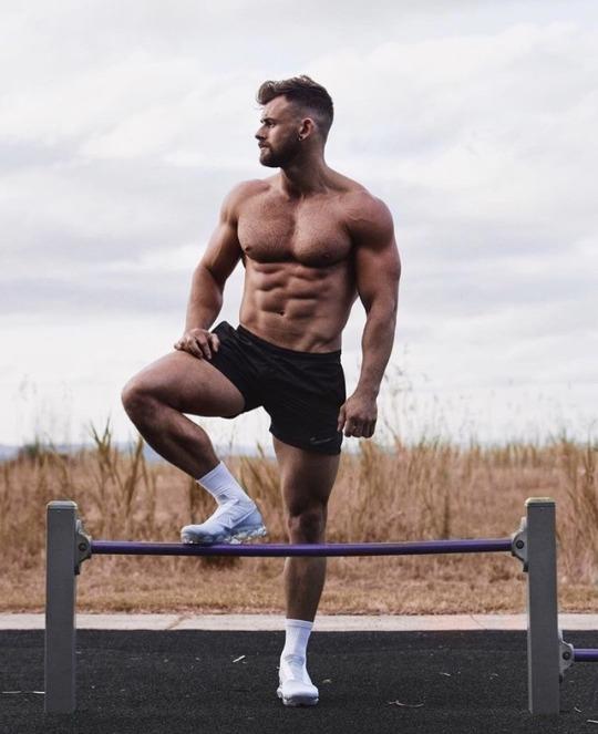 Los mejores cuerpos masculinos del gimnasio para motivarte